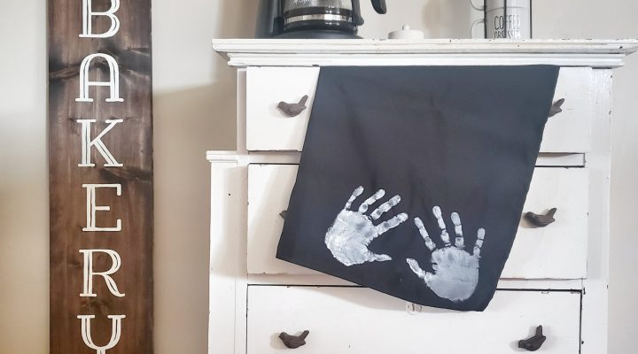 Helping Hands Apron